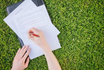 Как оформить право собственности на заброшенный участок