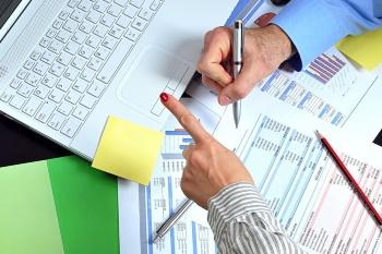 Подготовлена таблица, в которой указаны новые сроки представления деклараций и уплаты налогов (взносов)
