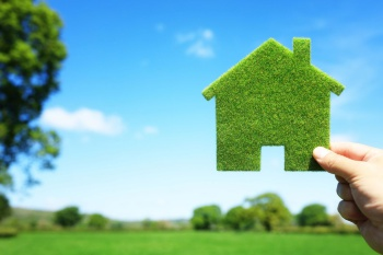 Семьи с детьми смогут получить льготный кредит на строительство частного дома и приобретение земельного участка