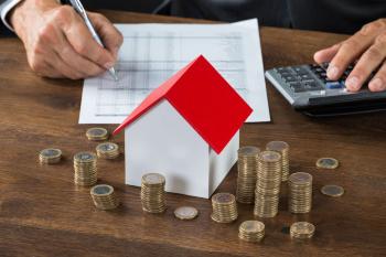 При расчете налога на имущество используется только кадастровая стоимость, указанная в ЕГРН