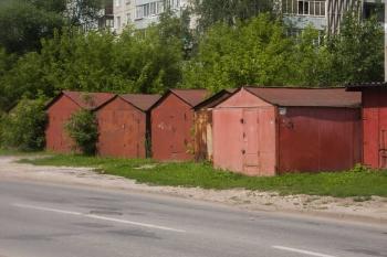 Правительством Ульяновской области определен порядок размещения на земельных участках, находящихся в муниципальной или государственной собственности гаражей, являющихся некапитальными сооружениями, либо стоянок технических или других средств передвижения