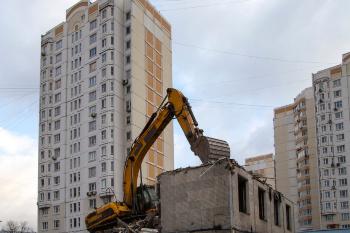 Регионы смогут разрабатывать адресные программы по сносу и реконструкции многоквартирных домов